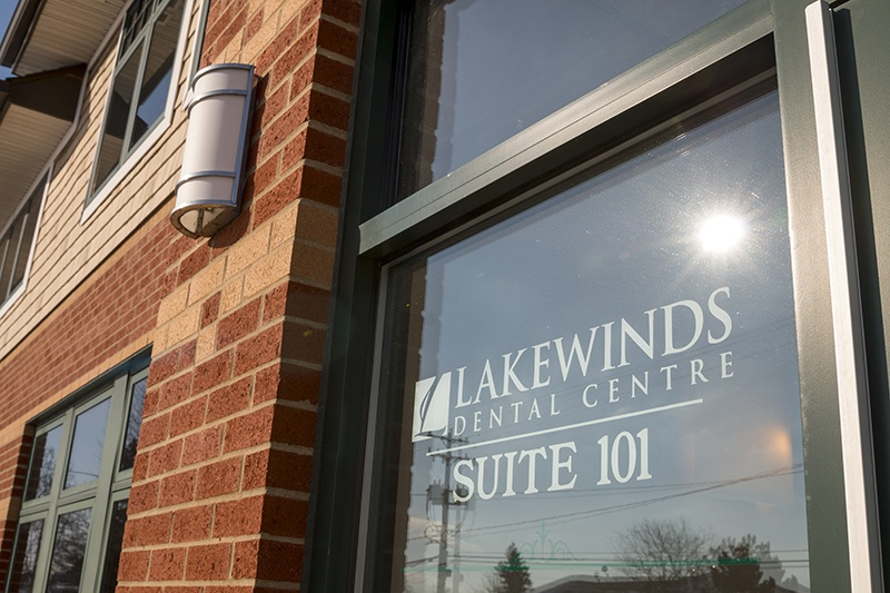 Lakewinds Dental Centre front door, Suite 101